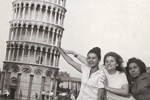 Pollo Maria Vera Tanguis, Gail Howard and Lidia Rodriguez holding up the Leaning Tower of Pisa
